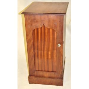 Secesyjna szafka z drewna mahoniowego Anglia początek XXw